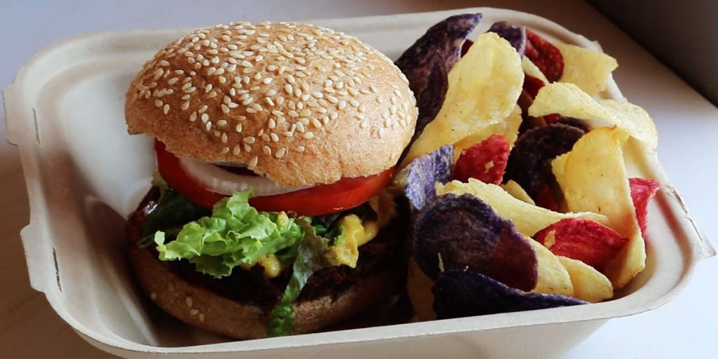 Kind Burger with chips